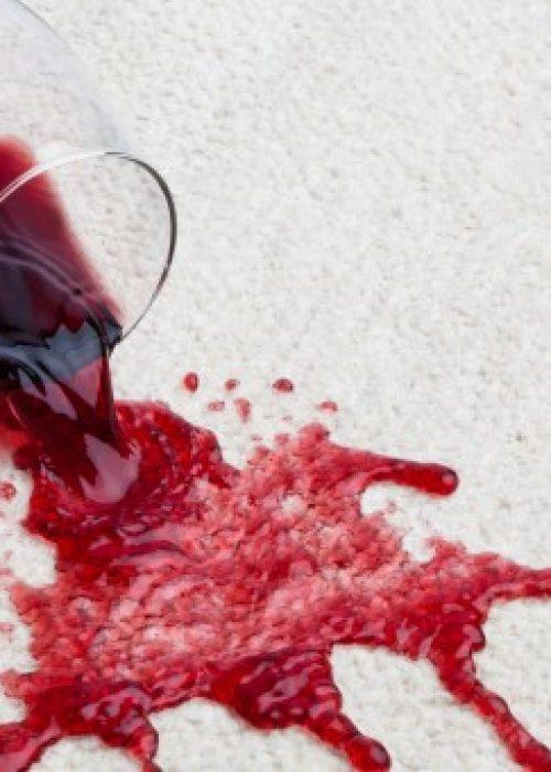 Trucos para eliminar manchas de vino tinto
